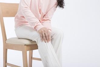 変形性膝関節症は進行する