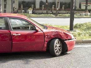 交通事故によるムチウチから脳脊髄液減少症になった一例